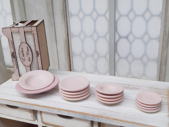 L'atelier des Roses tableware four colors to choose from